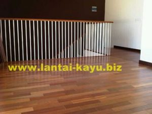 Lantai kayu bangkirai