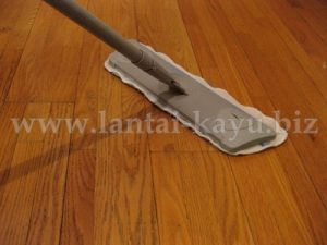 Perawatan lantai kayu