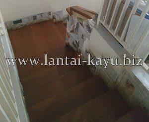 Proyek tangga kayu PIK Jakarta