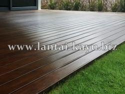 Decking kayu untuk exterior