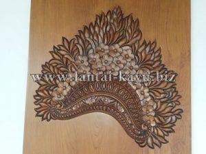 Ukiran Kayu Topi Bali